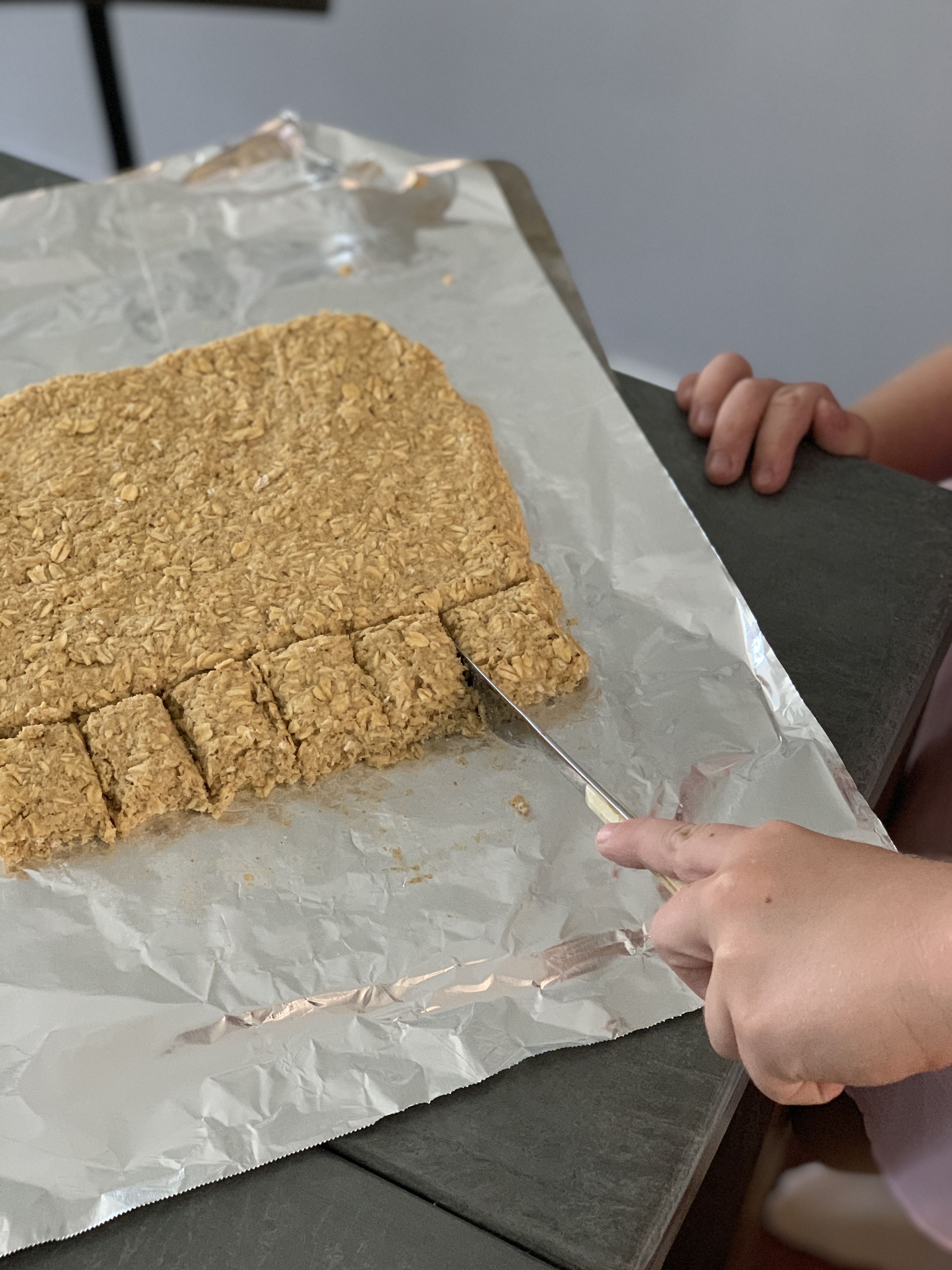 Make this easy dog treat recipe with your kids to donate to shelters | For Animals For Earth